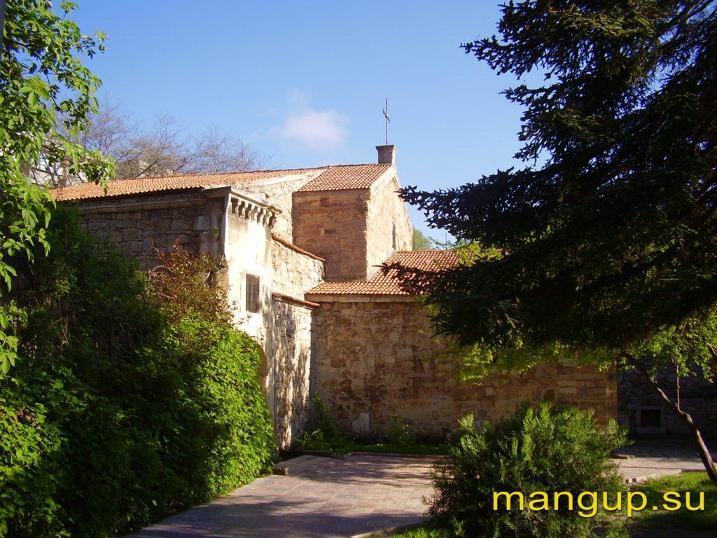 Феодосия. Средневековый армянский храм св. Сергия.