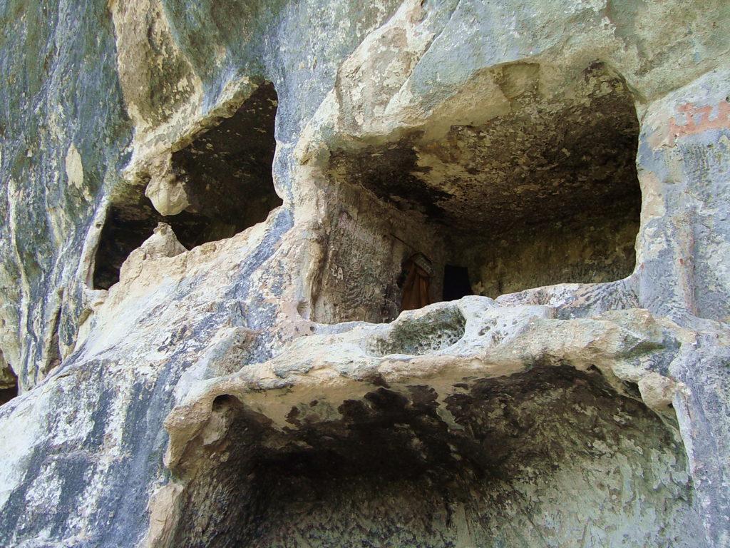 Челтер-Коба. Пещерные помещения.