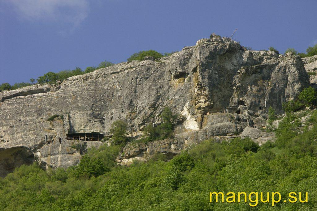 Пещерный монастырь Шулдан.