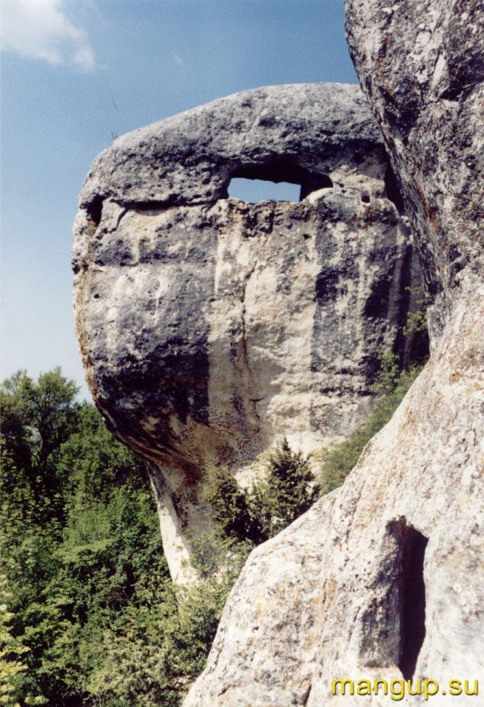 Эски-кермен. Пещерная башня «Голова черепахи».
