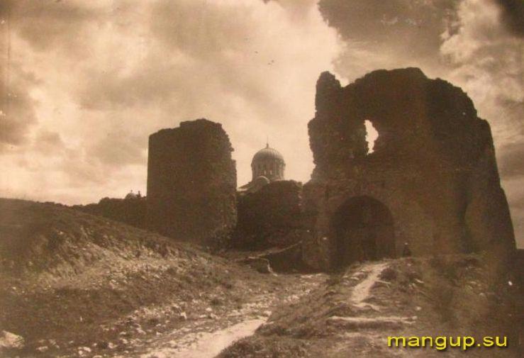 Крепость Каламита. Башни №1 и №2. Вид с севера.