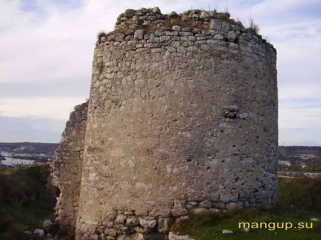 Крепость Каламита. Башня-барбакан №4.