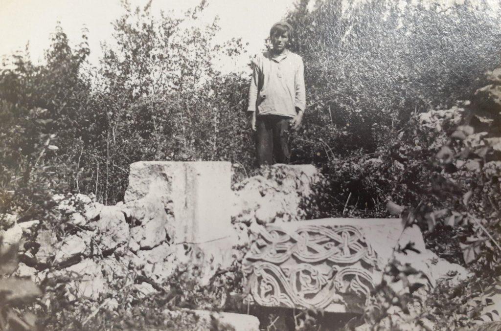 Храм св. Троицы в Керменчике. Резная деталь.