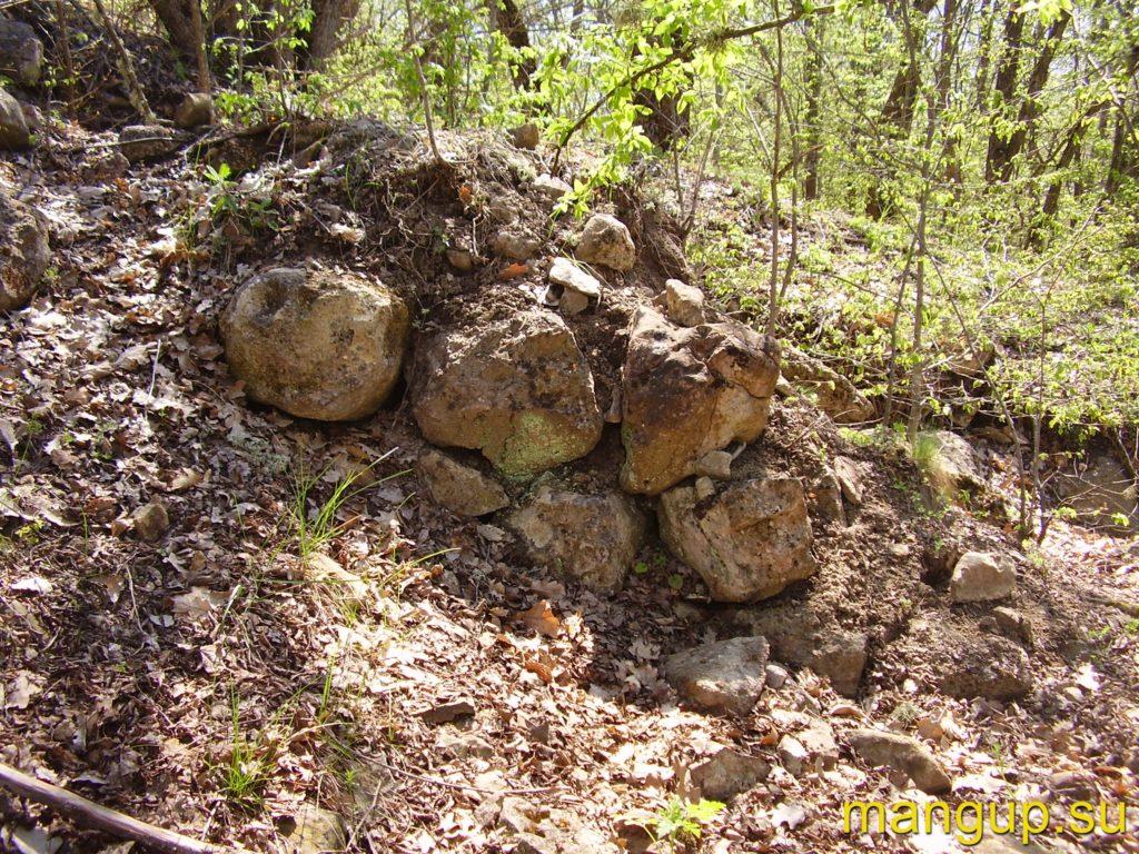 Пампук-Кая. Кладка оборонительной стены.