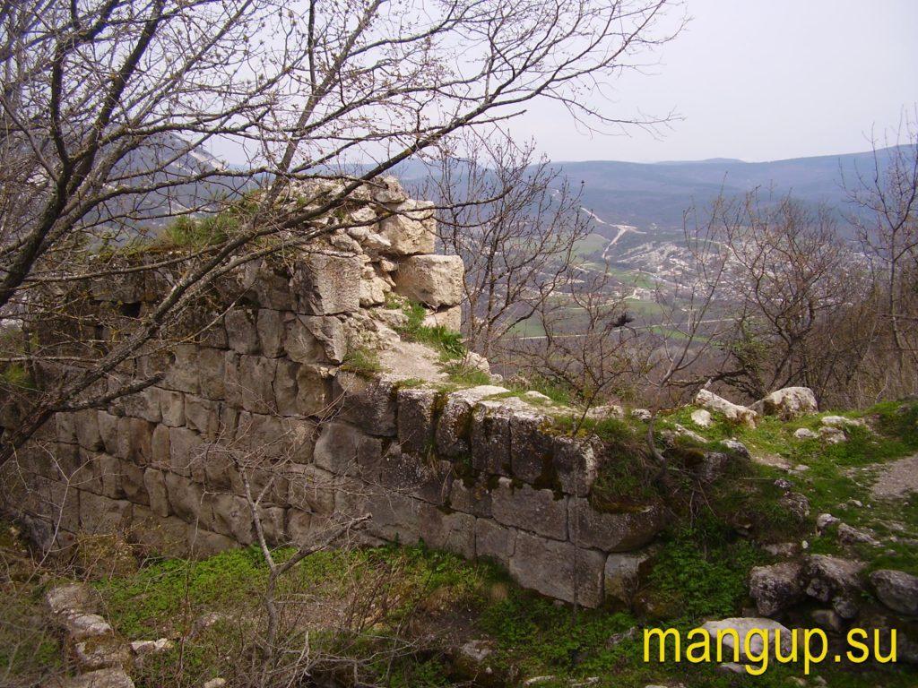 Сюйреньская крепость. Оборонительная стена.