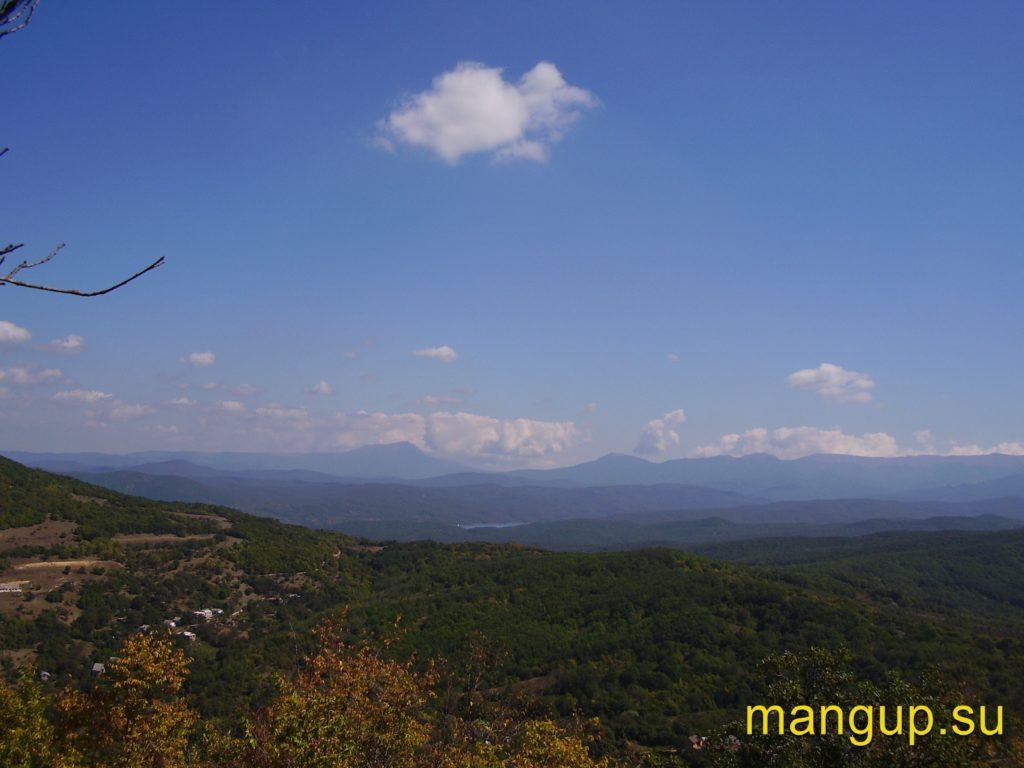 Вид с горы Кермен на юго-восток.