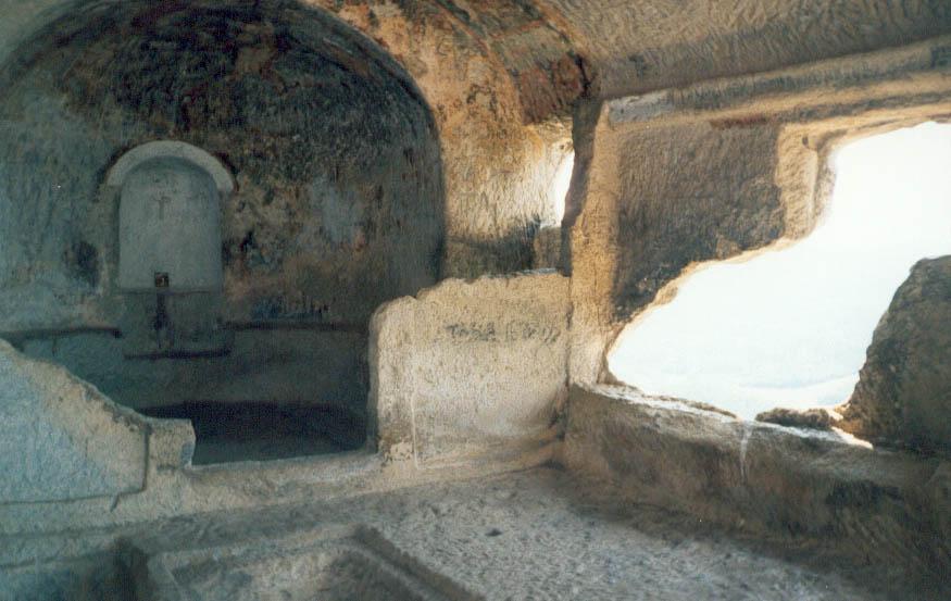 Мангуп. Храм Южного монастыря.