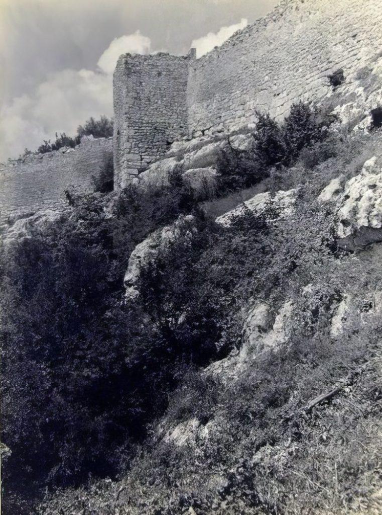 Восточная башня в оборонительной системе в овраге Гамам-дере