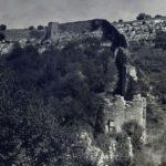 Мангуп. Восточная часть оборонительных сооружений в овраге Гамам-дере.