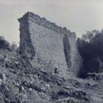 Мангуп. Остатки оборонительной стены городища.