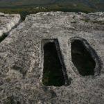 Мангуп. Вырубные гробницы. Пещерный комплекс №4.