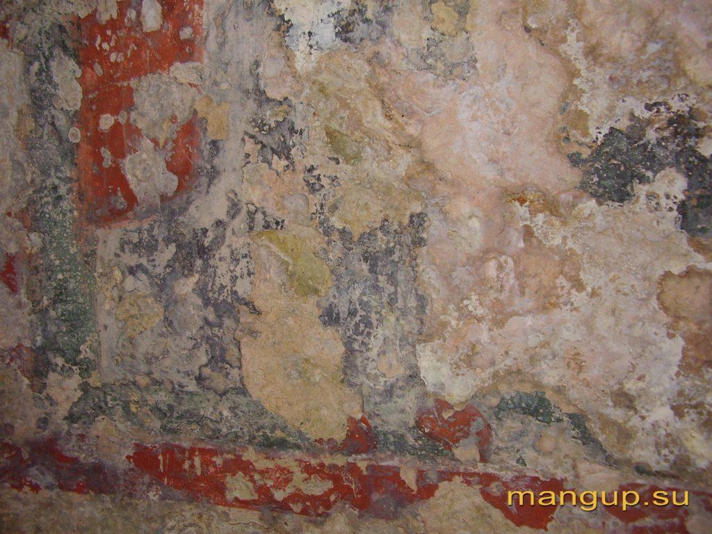 Пещерная церковь в Кильсе-дере в окрестностях Мангупа, остатки фресковой росписи. Орнамент.