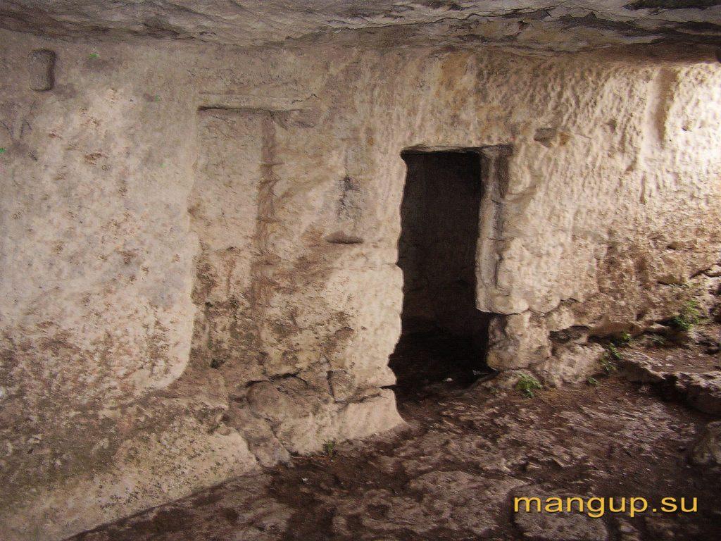 Мангуп. Пещерный комплекс №4 по Е. Веймарну.