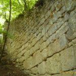 Мангуп. Башенный выступ передовой оборонительной стены в Табана-дере.