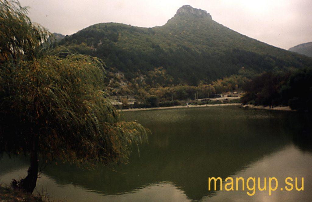 Озеро под Мангупом