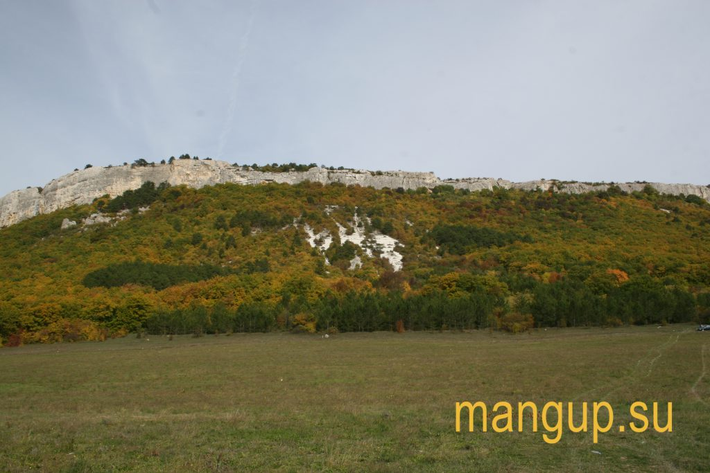 Мангуп, вид с юга.