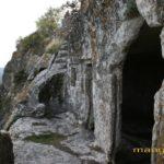 Мыс Тешкли-бурун. Терраса восточного пещерного комплекса.