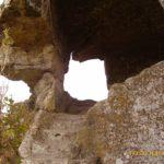 Вырубленная в скале лестница, ведущая на нижний ярус комплекса на оконечности Тешкли-буруна.