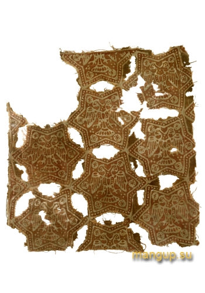 Фрагмент льняного текстиля с двуглавыми орлами (XIV век).