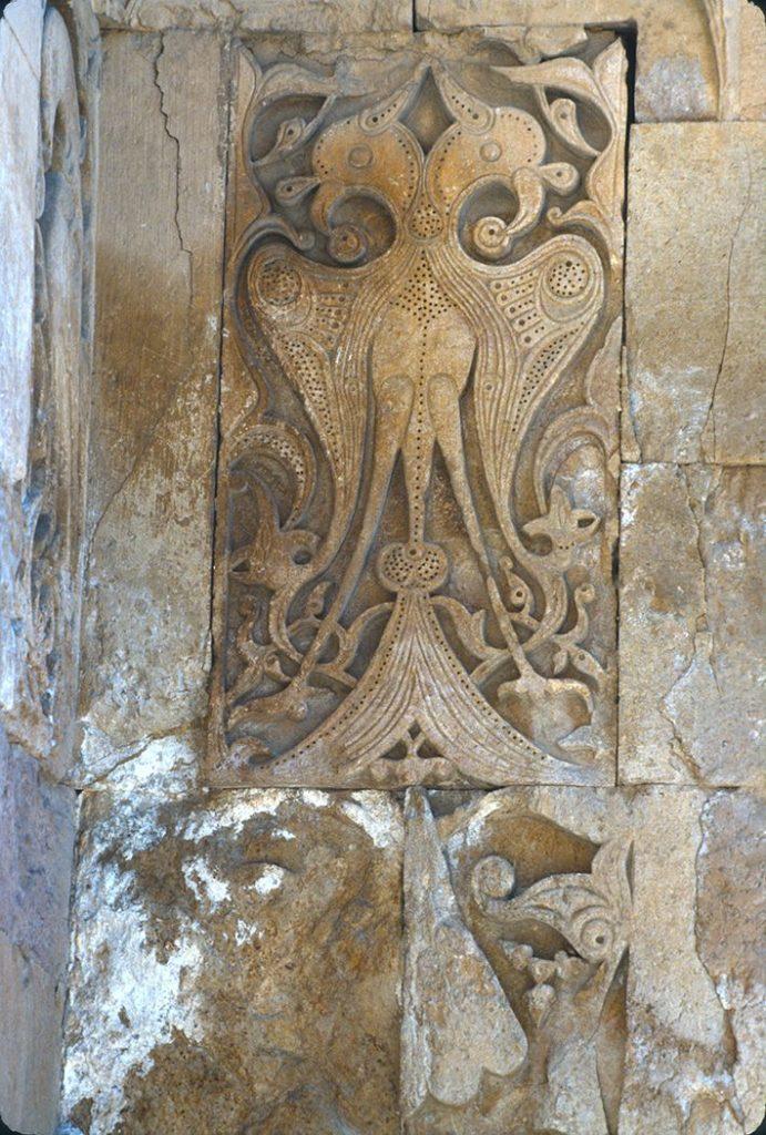 Деталь западного портала мечети Дивриги.