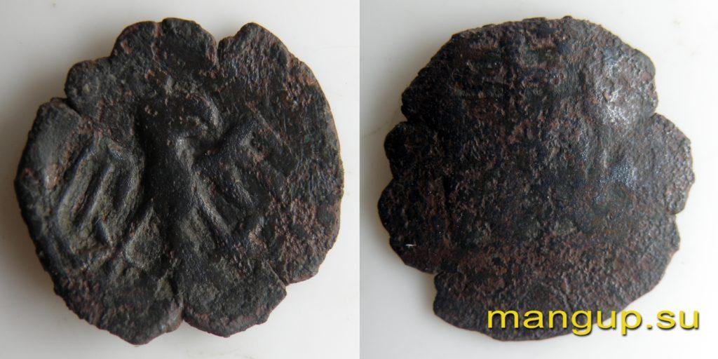 Медная монета Мануила III Великого Комнина с одноглавым орлом.