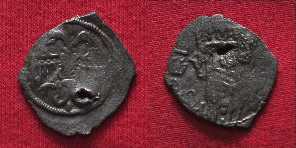 Трапезундская монета с двуглавым орлом.