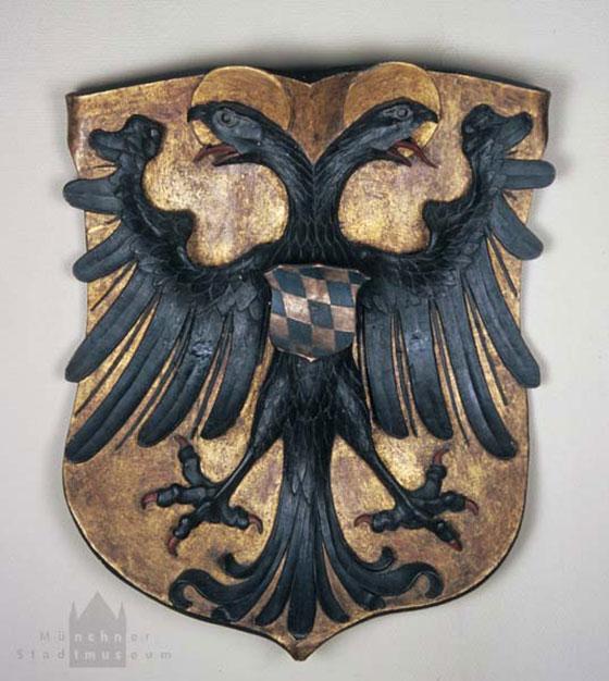 Герб Людвига Баварского на ратуше Мюнхена.