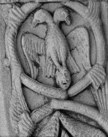 Барельеф с двуглавым орлом. Церковь св. Марии. Риполь.